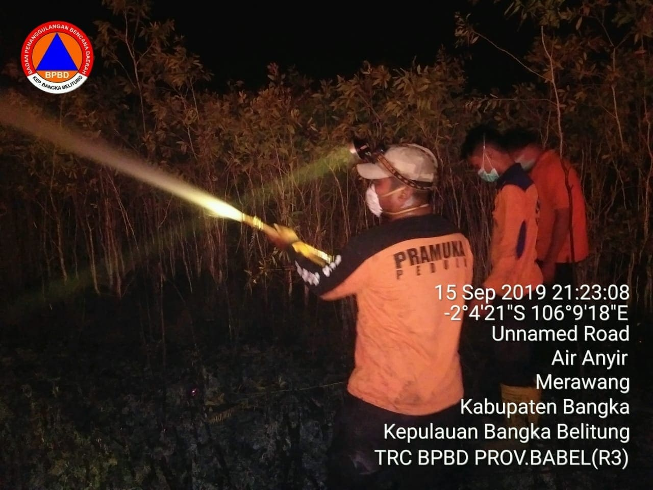 Satgas Pramuka Peduli Kwarda Babel Bantu Padamkan Kebakaran Lahan di Lintas Timur