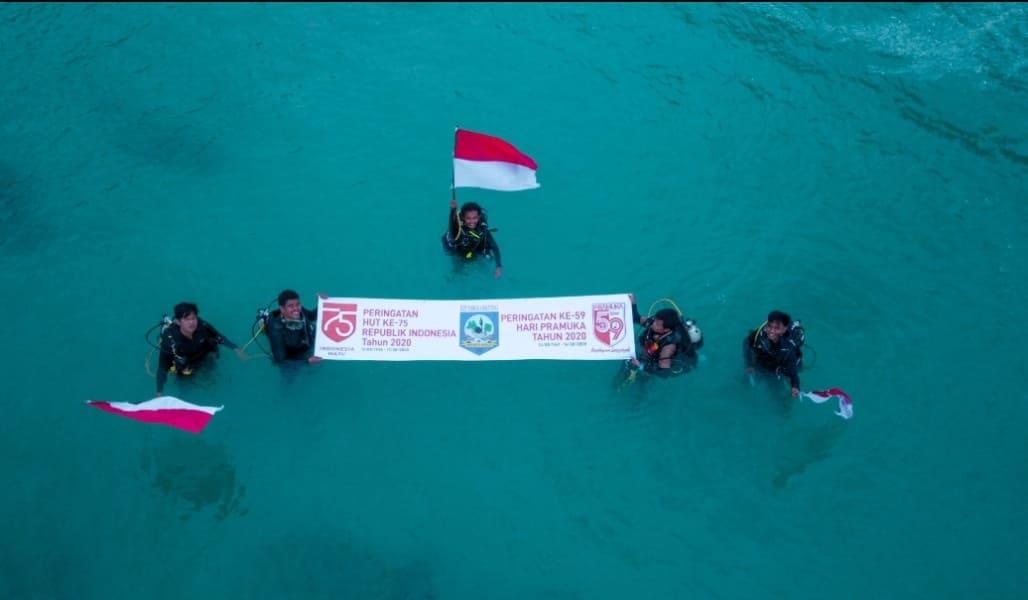 Kwarda Babel Didukung Yayasan Serumpun Karang Konservasi Kibarkan Bendera di Bawah Laut